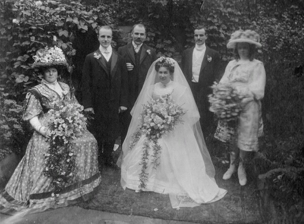 Image of Frederick & Aida Tubb's wedding party