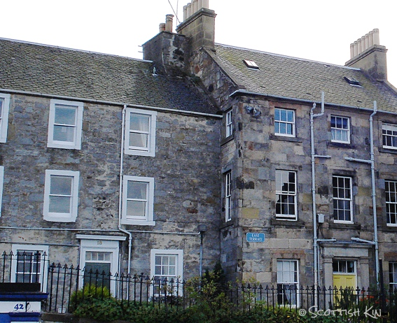 Image of old houses in Queensferry
