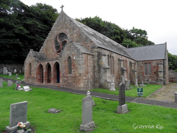 Image of Wemyss church and churchyard